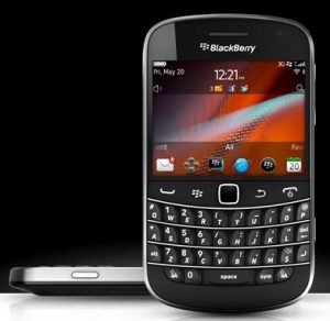 SMART BlackBerry Bold 9900, aka Dakota, Priced Php 1,200 on Plan 3500