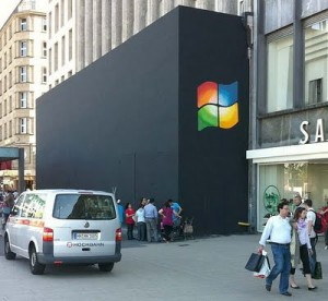 Windows Logo in Apple Store? Oh, That Would Be Hilarious!