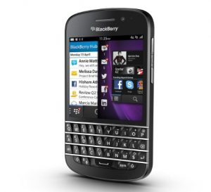 Don't Have Php 32K for BlackBerry Q10? Get it Free from Globe Telecom at Plan 1,499!